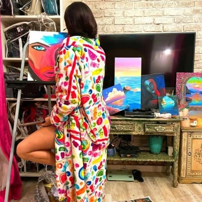 Janhvi Kapoor's painting skills reminds Dia Mirza of Sridevi