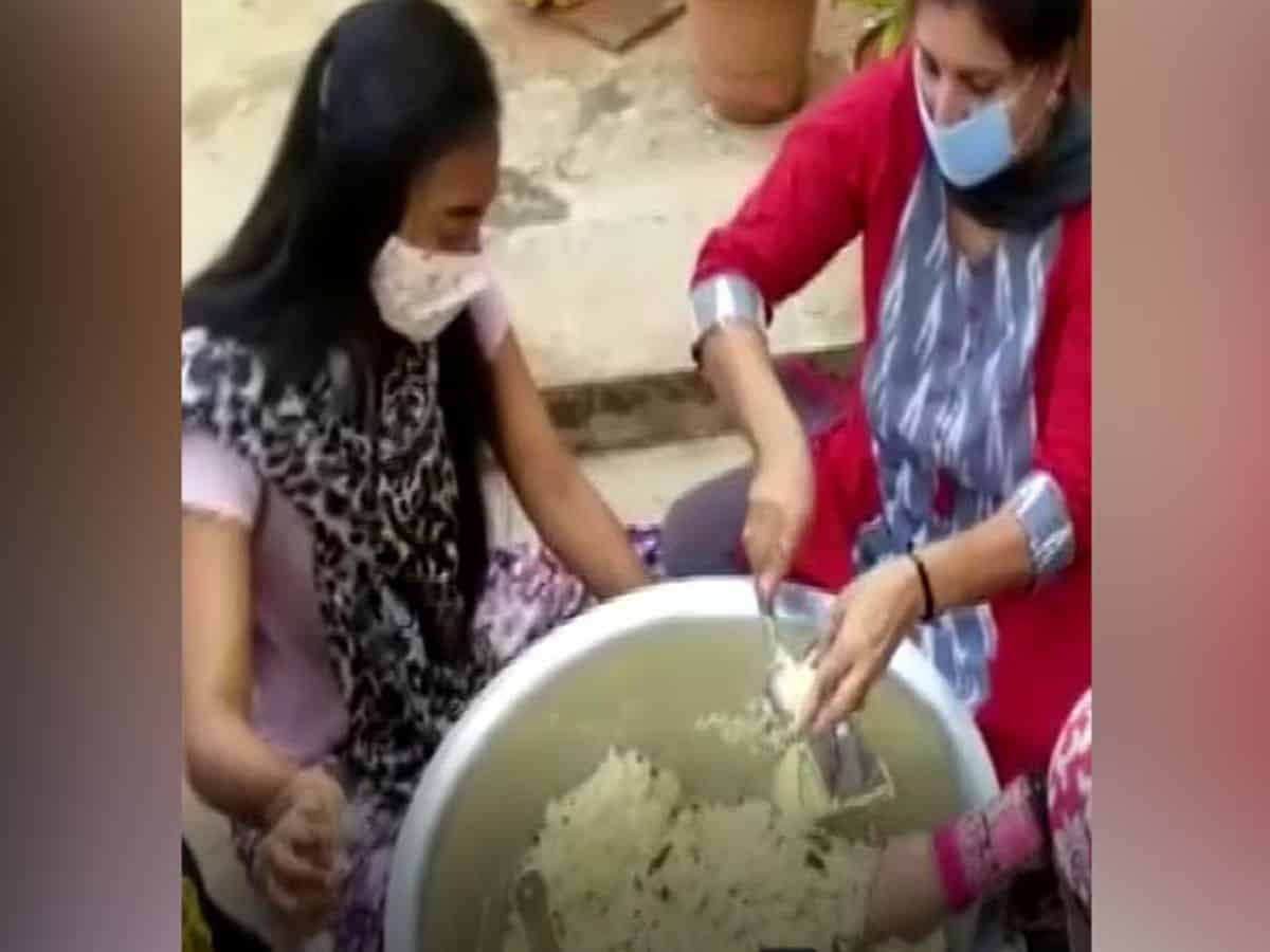 Hyderabad NGO provides food to 600 poor people, 259 COVID-19 patients daily
