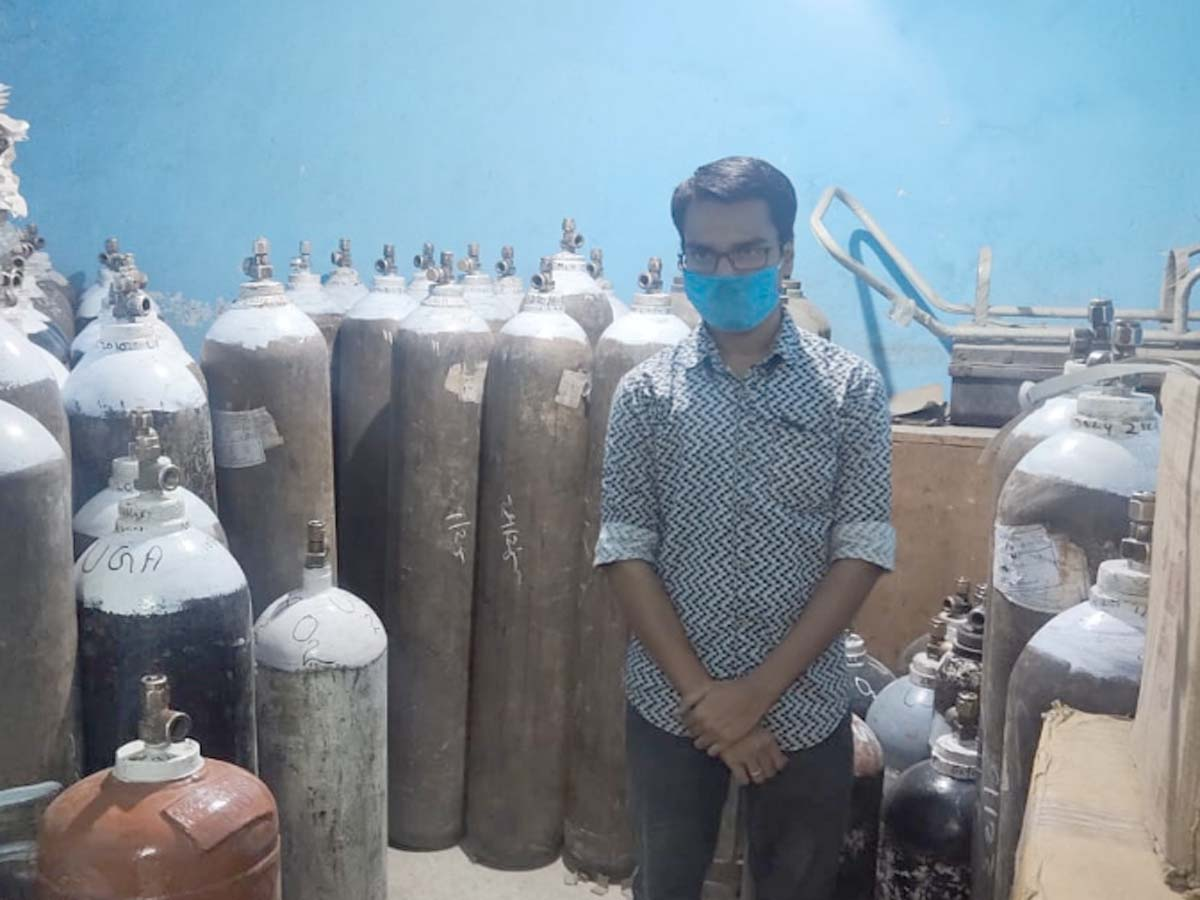 One held for black marketing oxygen cylinders