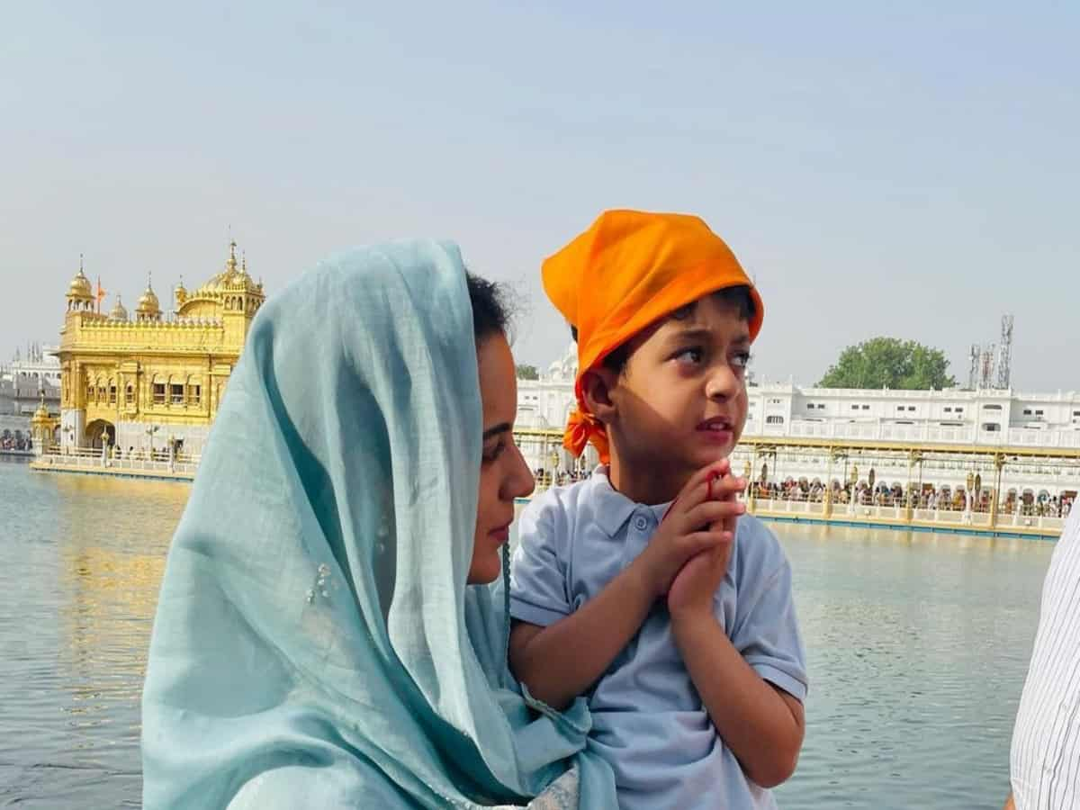Kangana Ranaut visits Golden Temple for the first time, see pics