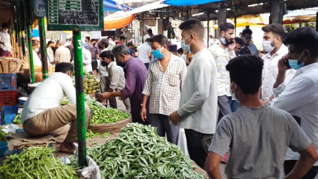 First day of lockdown in Telangana: People buy essentials during relaxation time