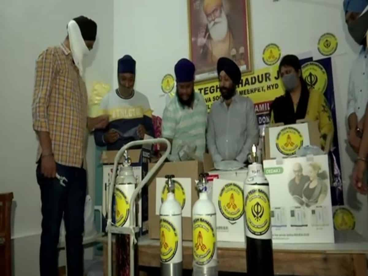 Hyderabad: A Sikh Seva Society helping those under home isolation with oxygen