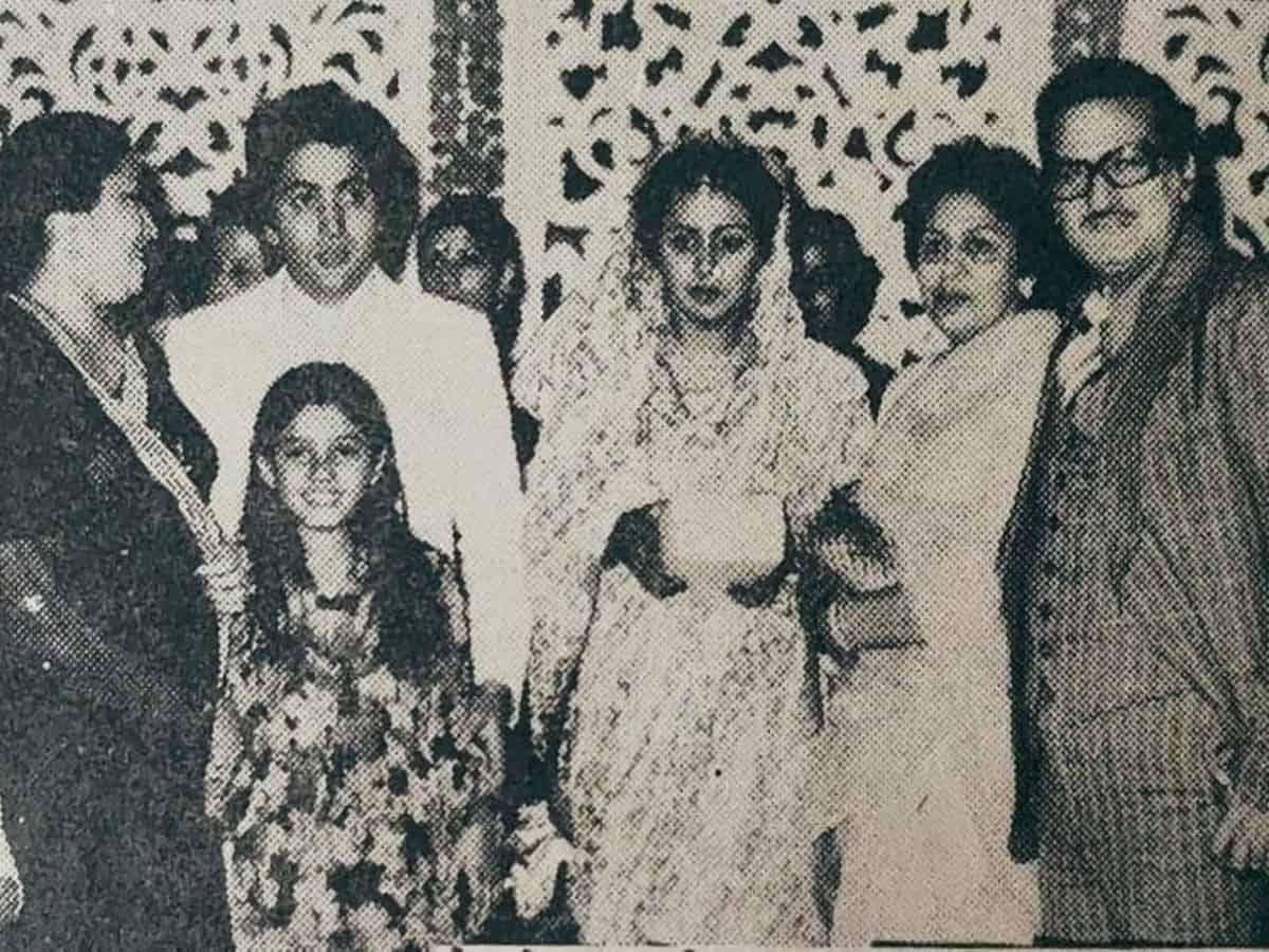 Rishi, Neetu's unseen wedding pic goes viral; can you spot Raveena Tandon in it?