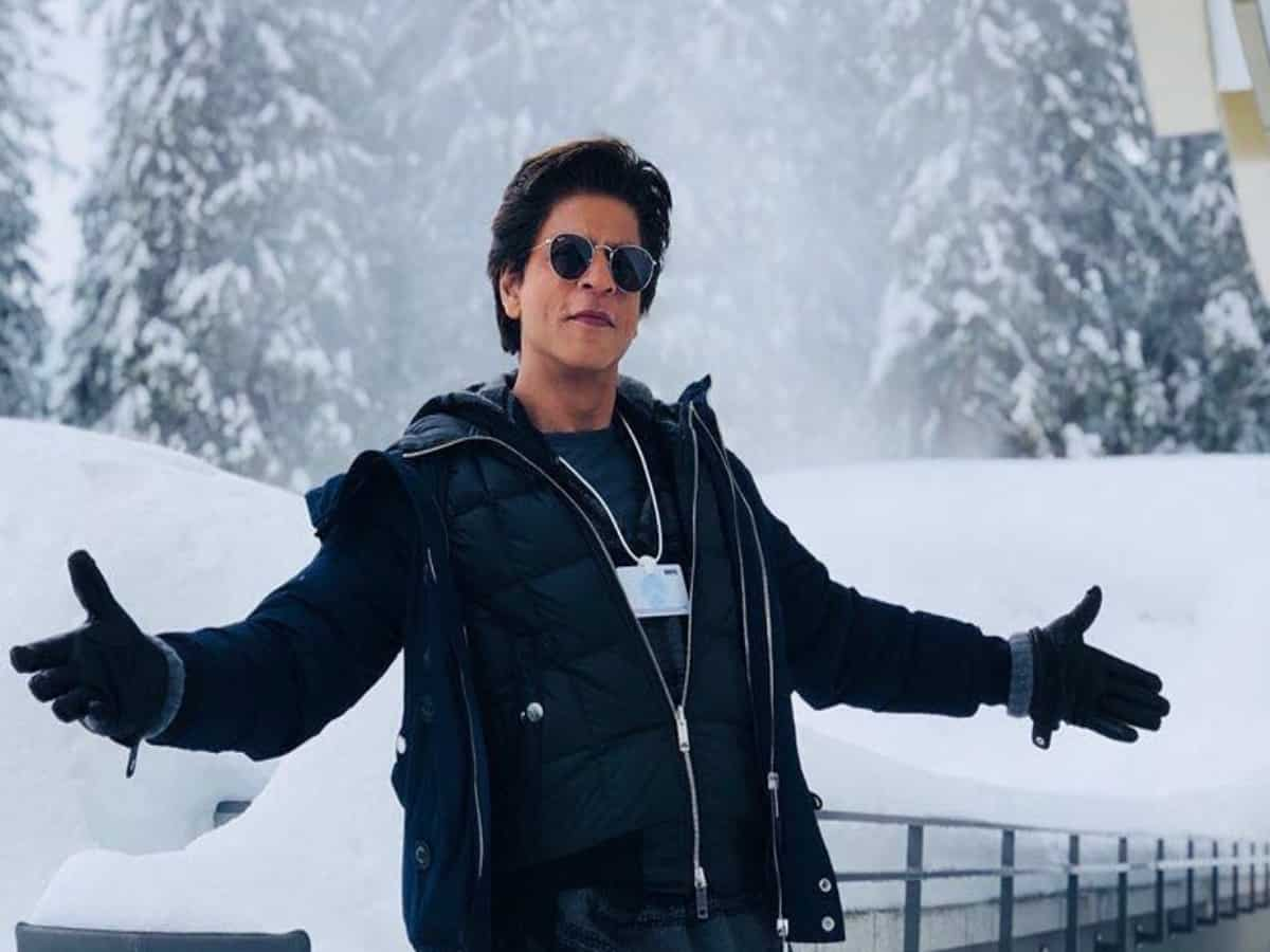 24 million followers and SRK follows only 6, find out who are they