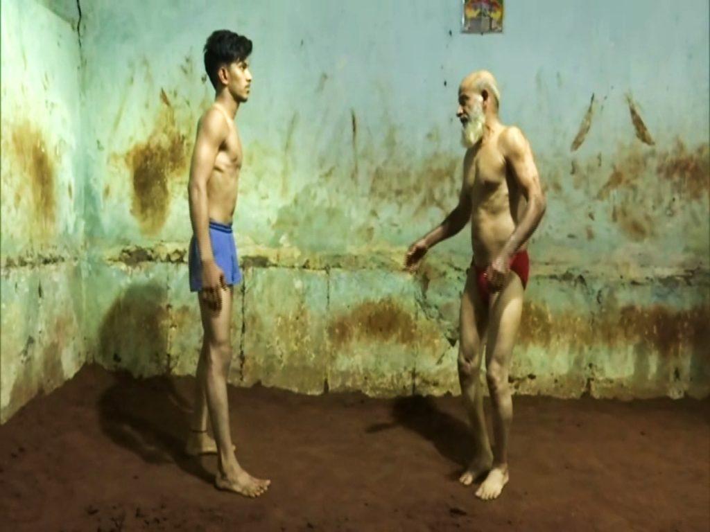 66-yr-old wrestler Ajmer Khan trains, inspires youth in Hyderabad