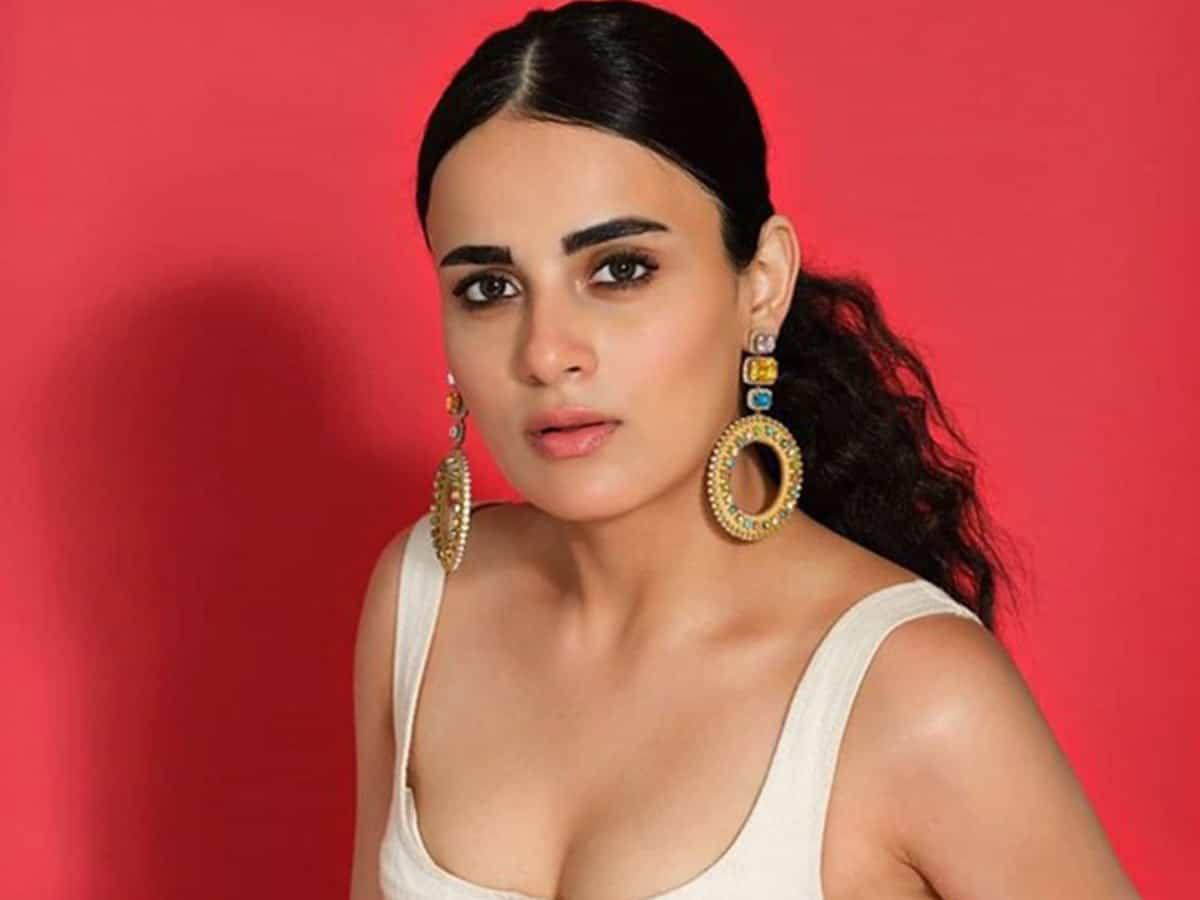 Radhika Madan expresses gratitude for phenomenal response of 'Ray'