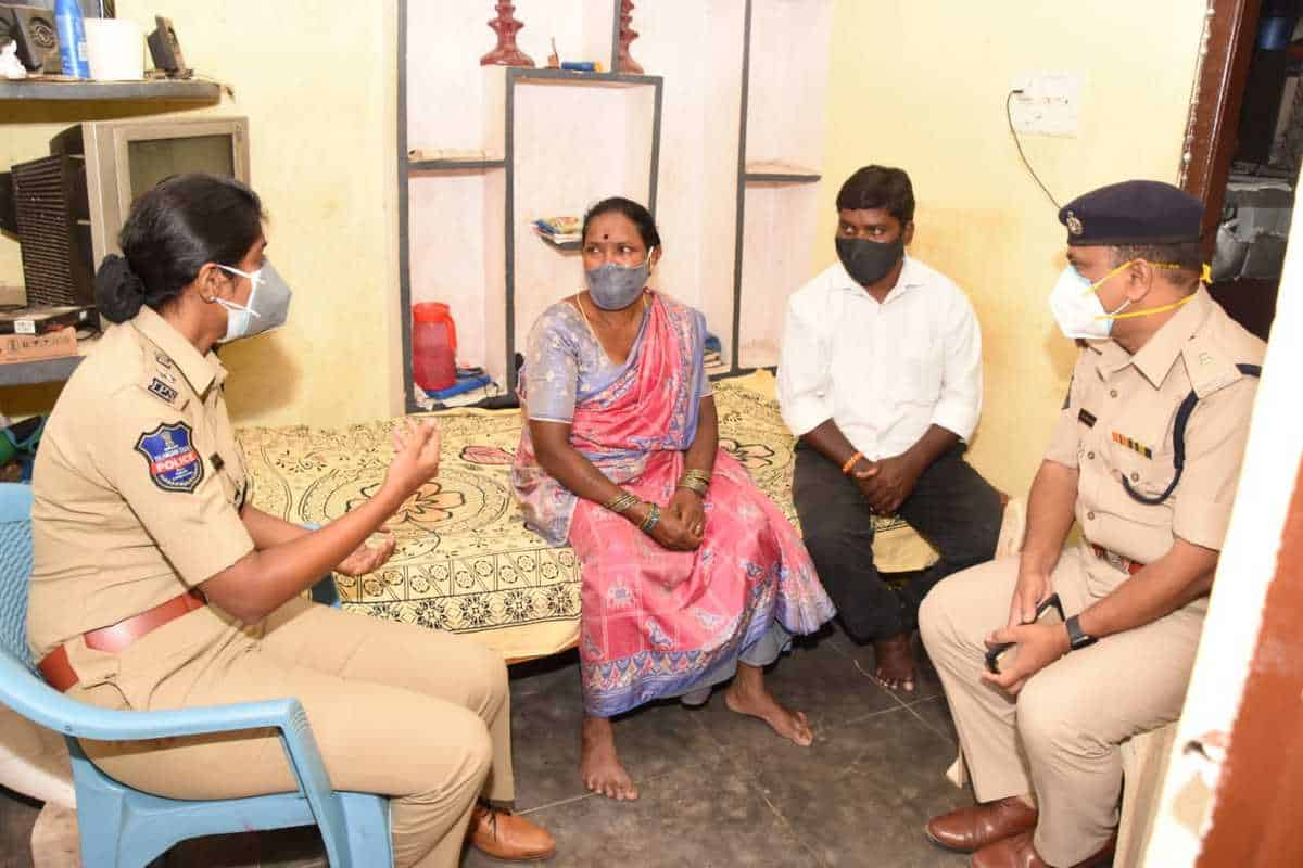 Malkajgiri DCP meets families of Maoists, asks for surrender