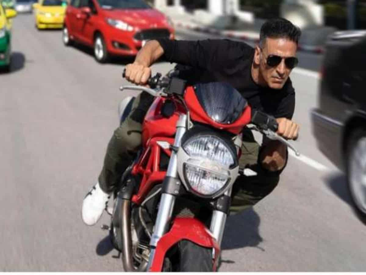 Akshay Kumar FINALLY reacts to reports of him starring in Dhoom 4