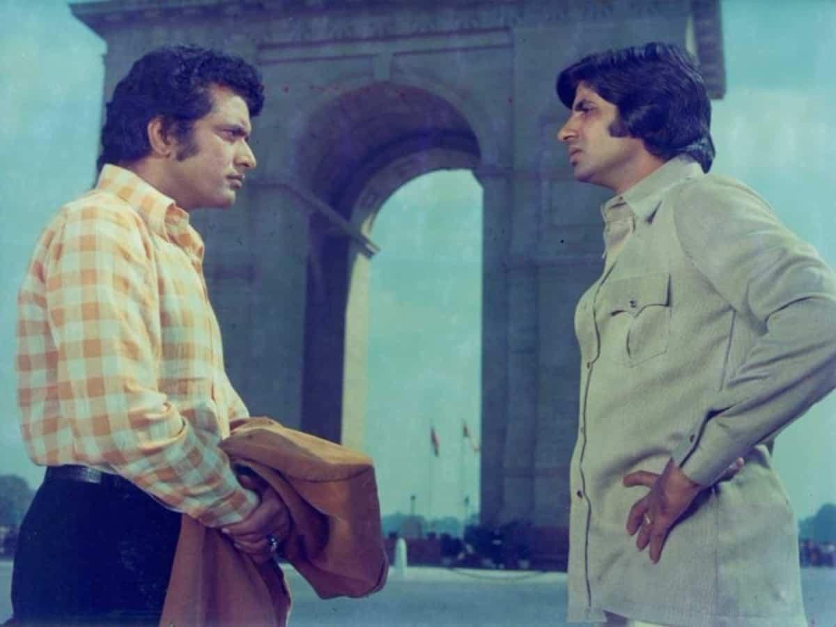 Manoj Kumar recalls 'special memories of life' with Big B in 'Roti, Kapda Aur Makaan'