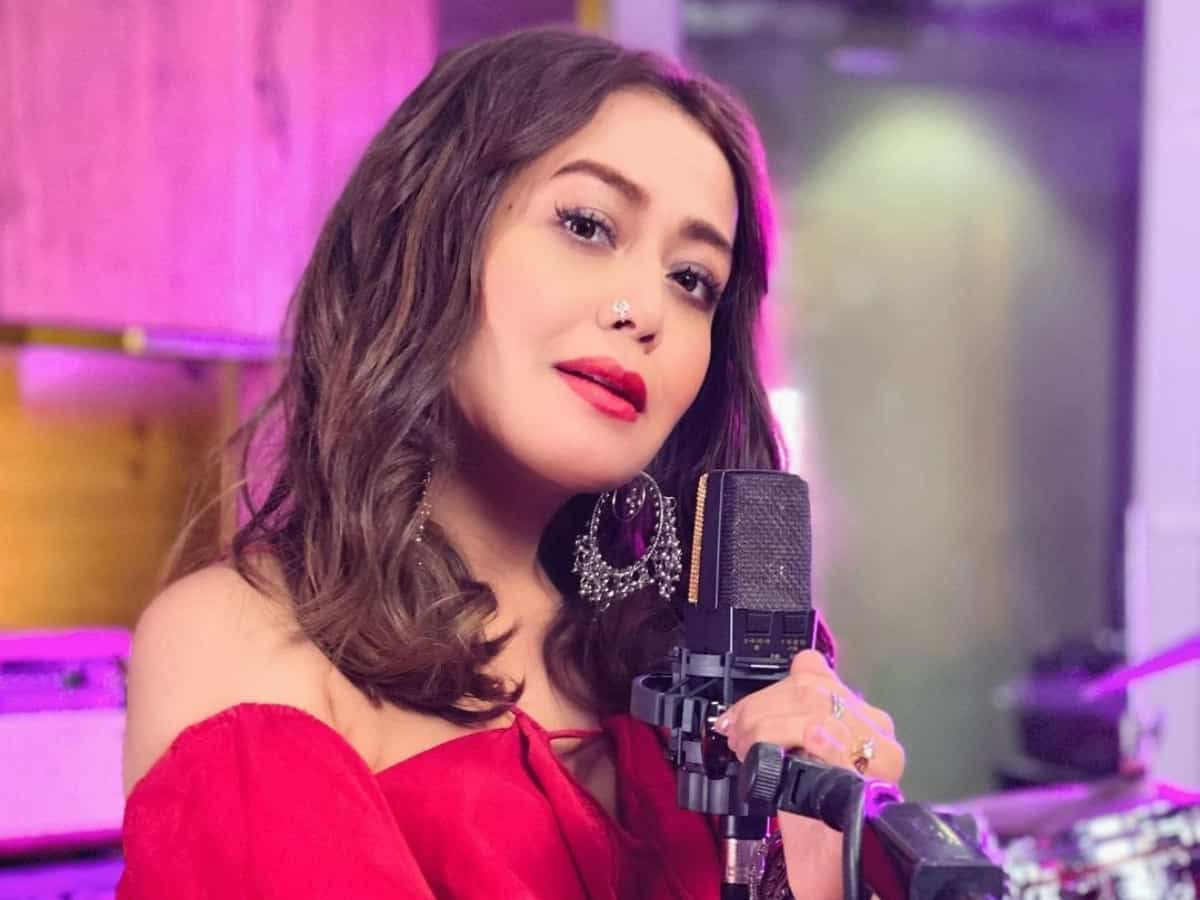 Neha Kakkar's huge net worth, her fee per song will surprise you!