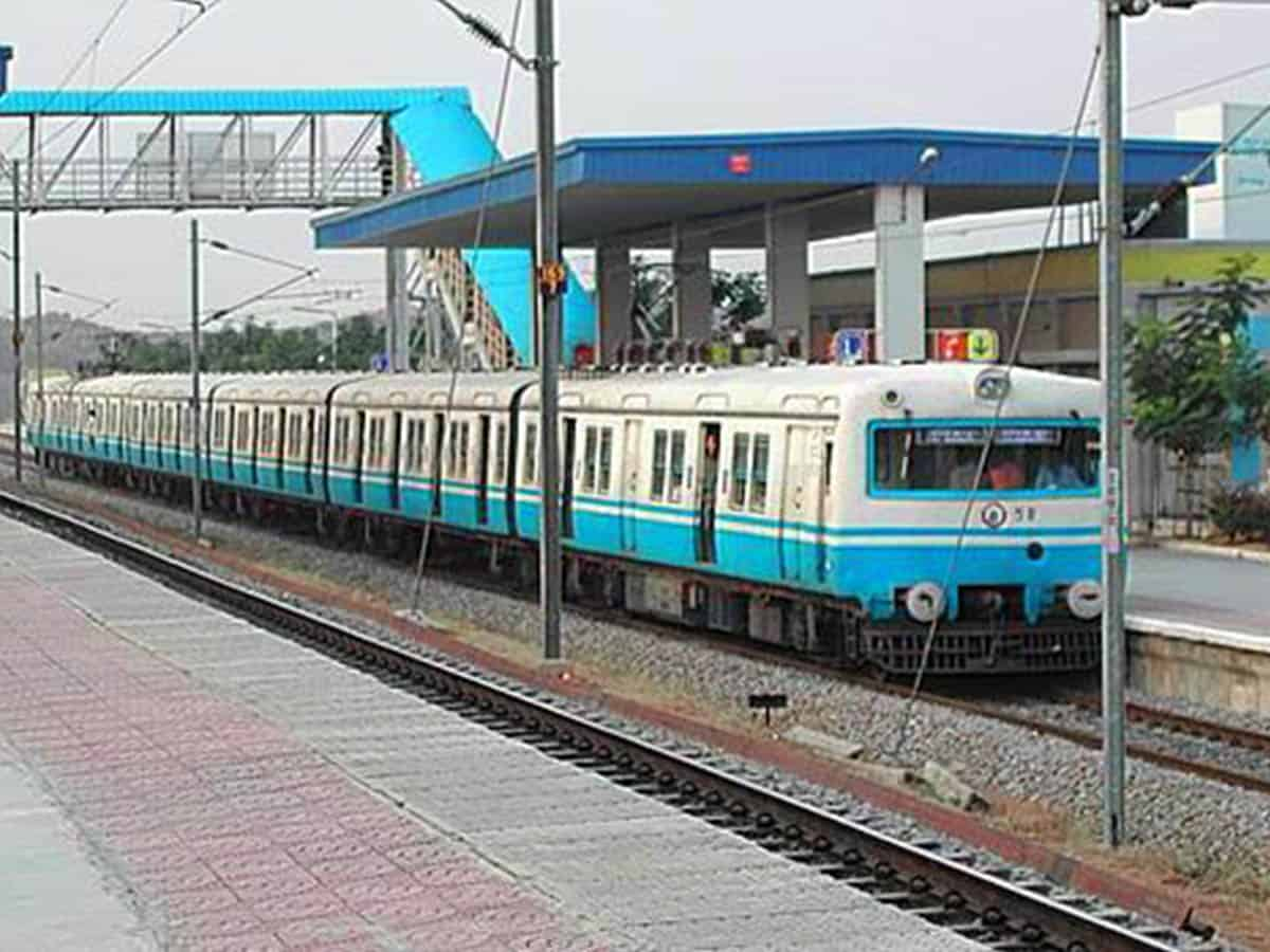 Hyderabad: Commuters feel relieved as MMTS service resumes
