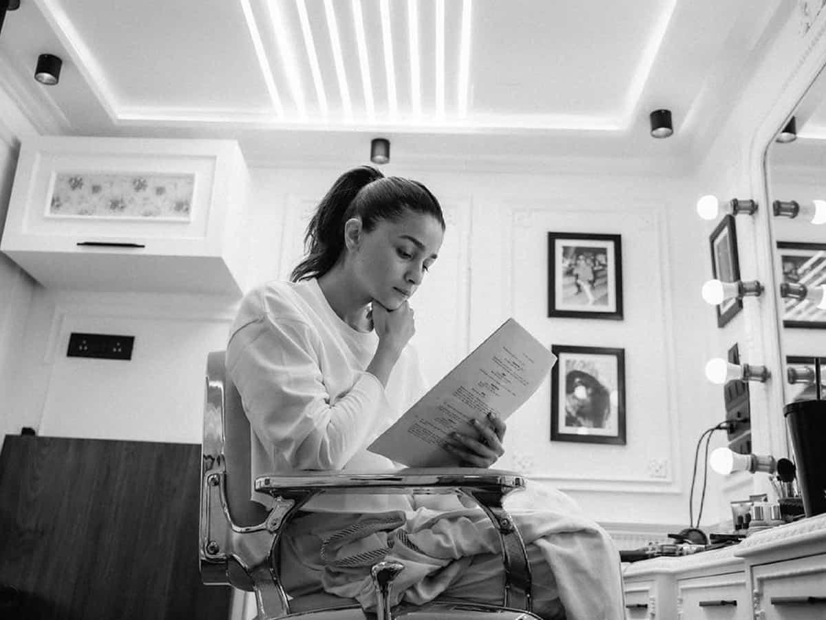 Alia Bhatt begins shooting for 'Darlings'