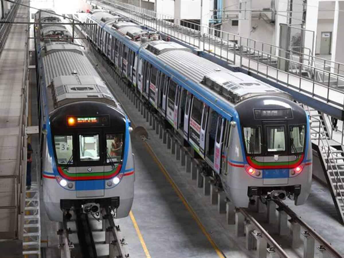 Telangana govt may help Hyderabad Metro Rail to overcome heavy losses