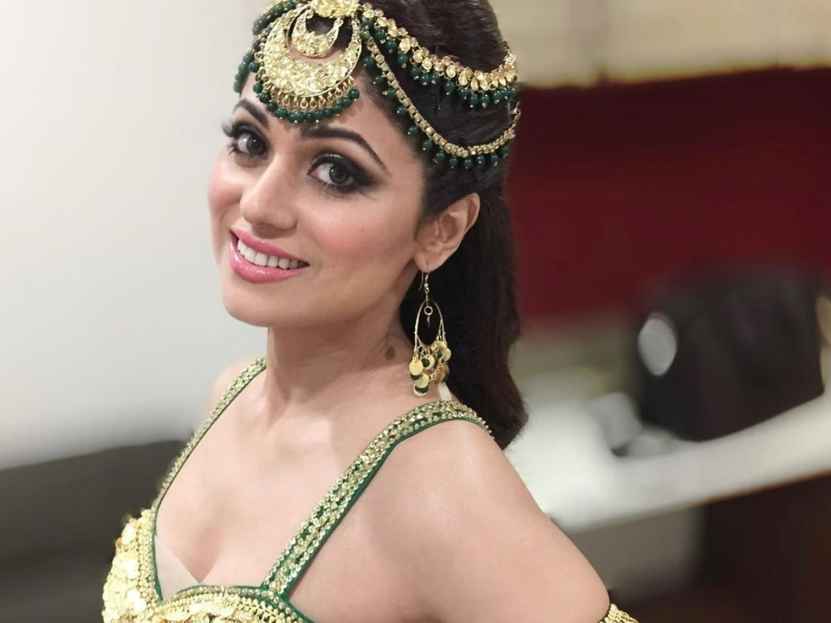 Actress Shamita Shetty shares a dash of weekend glamour