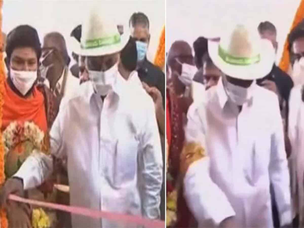 With no scissors handy, KCR pulls up ribbon at 2BHK inauguration