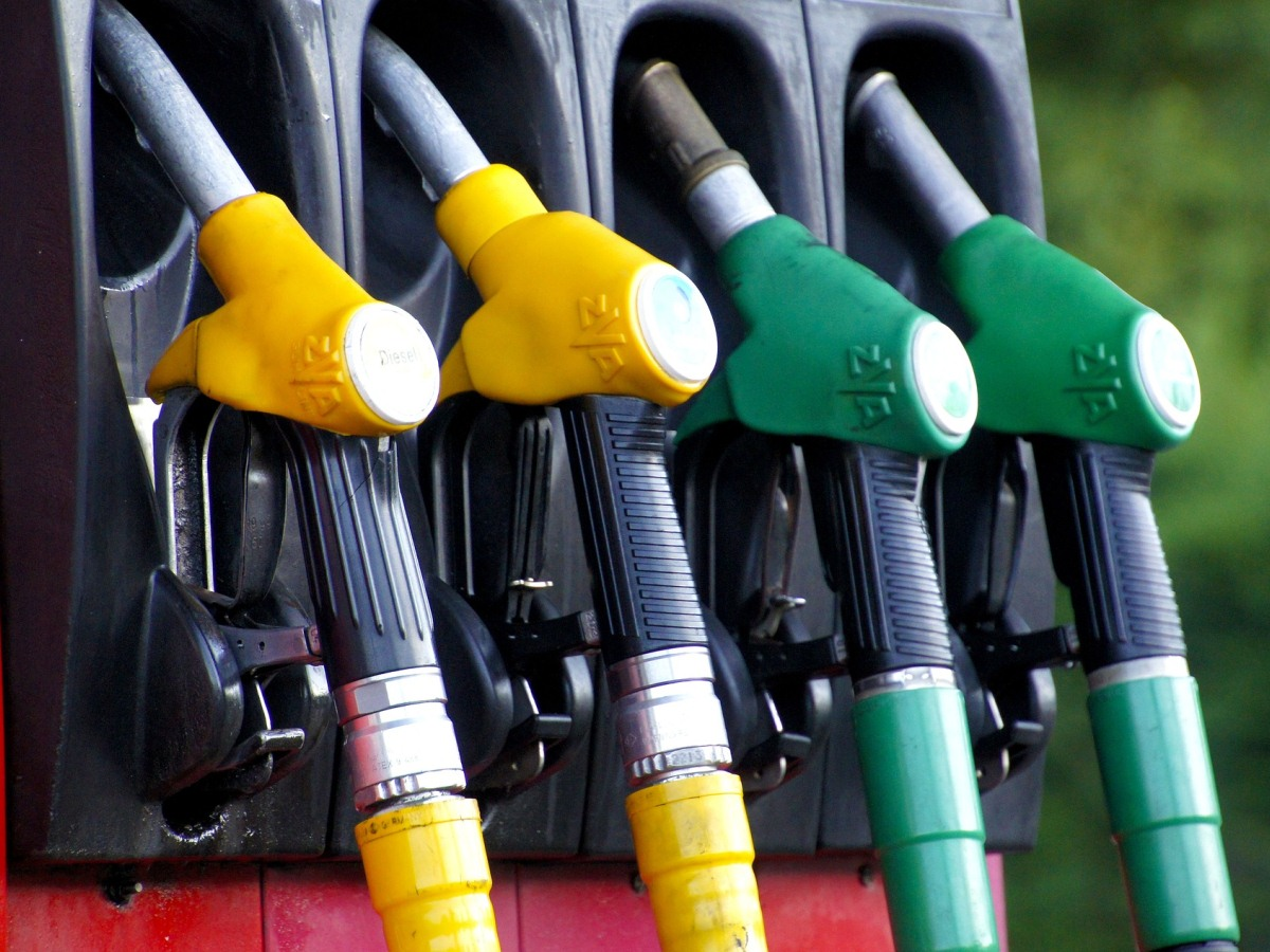 Petrol price in Hyderabad continues to hit new highs