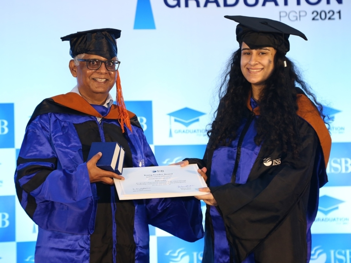 692 students graduate from Indian School of Business