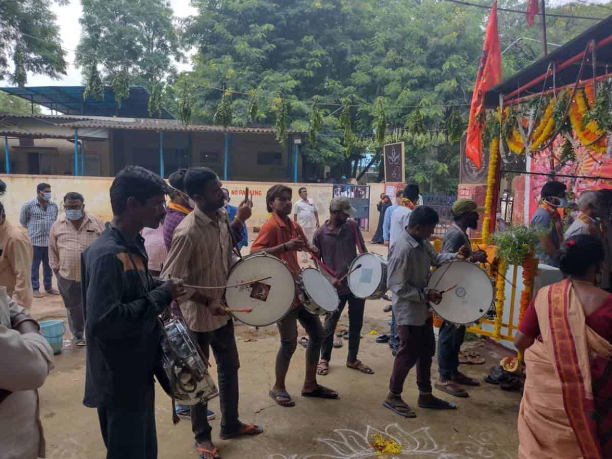 Hyderabad: Govt Fever Hospital's Bonalu celebrations violates COVID-19 norms