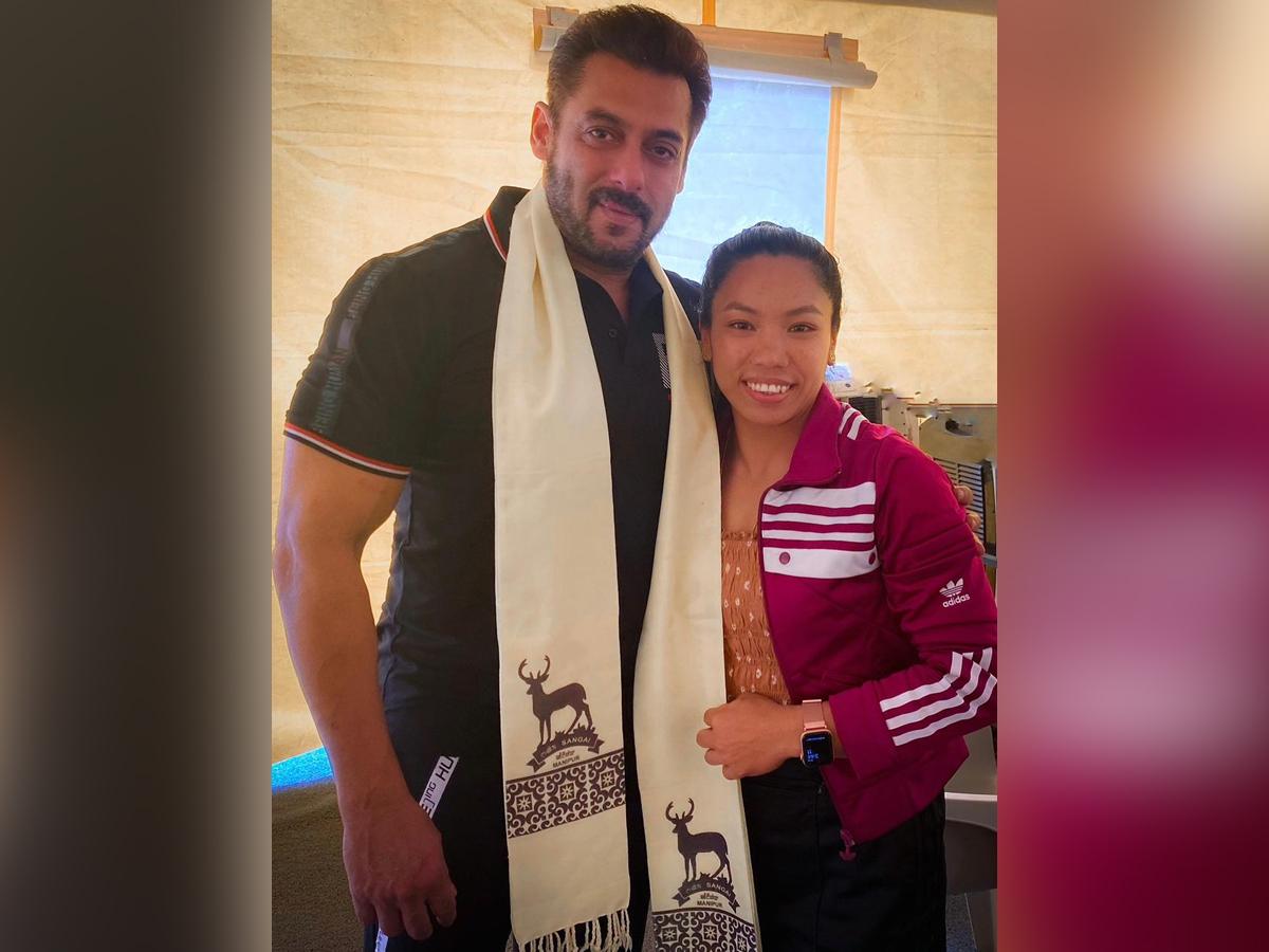 Salman Khan poses with Mirabai Chanu; netizens spot blackbuck in pic