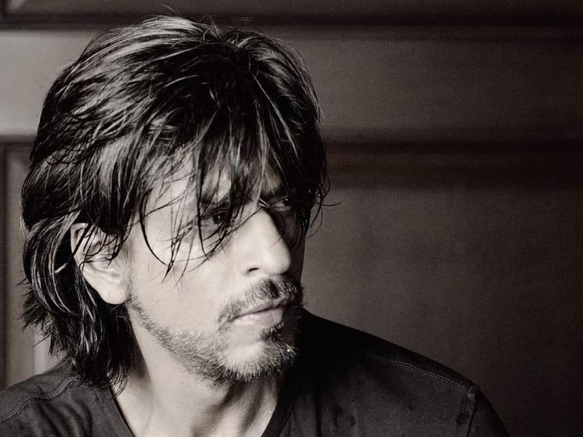 Shah Rukh Khan expresses gratitude to cast, makers of 'Chak De! India'