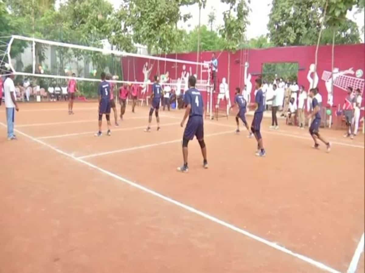 Volleyball match held in Chanchalguda Jail to relieve stress of prisoners