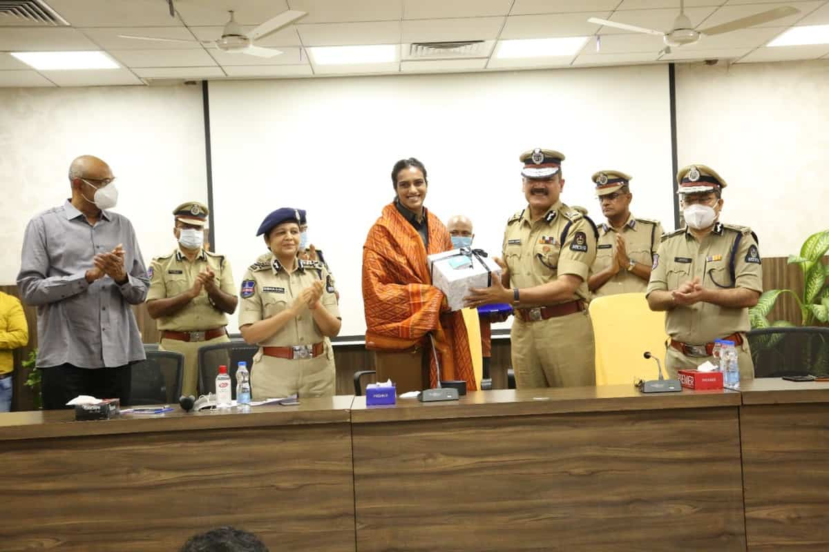 Hyderabad police felicitate PV Sindhu for winning Olympic medals