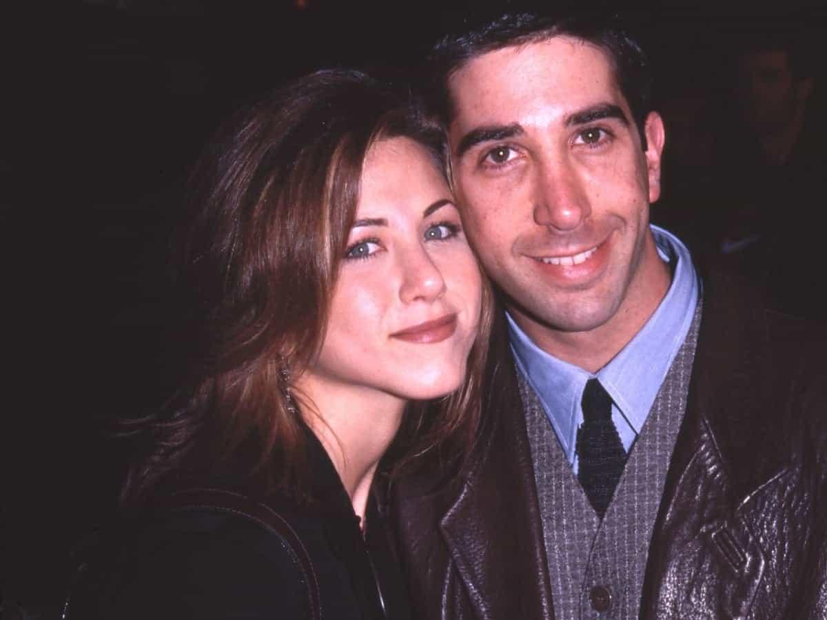 'Friends' stars Jennifer Aniston, David Schwimmer rumoured to be dating