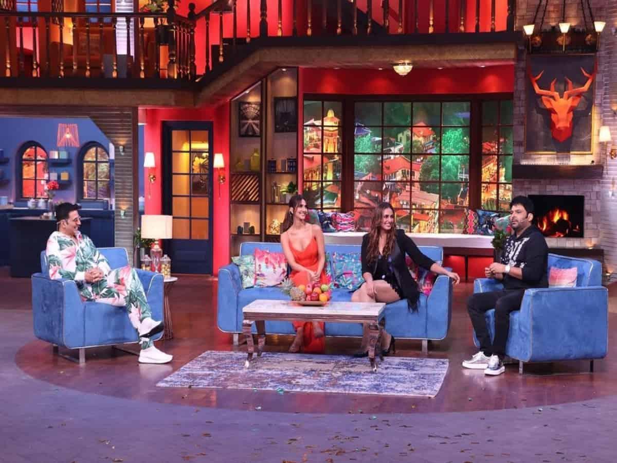 Akshay calls SRK to fulfil fan's wish on 'The Kapil Sharma Show'