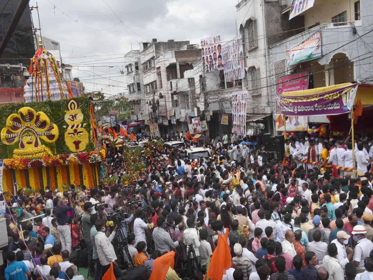 Historic Lal Darwaza Bonalu celebrated in old city