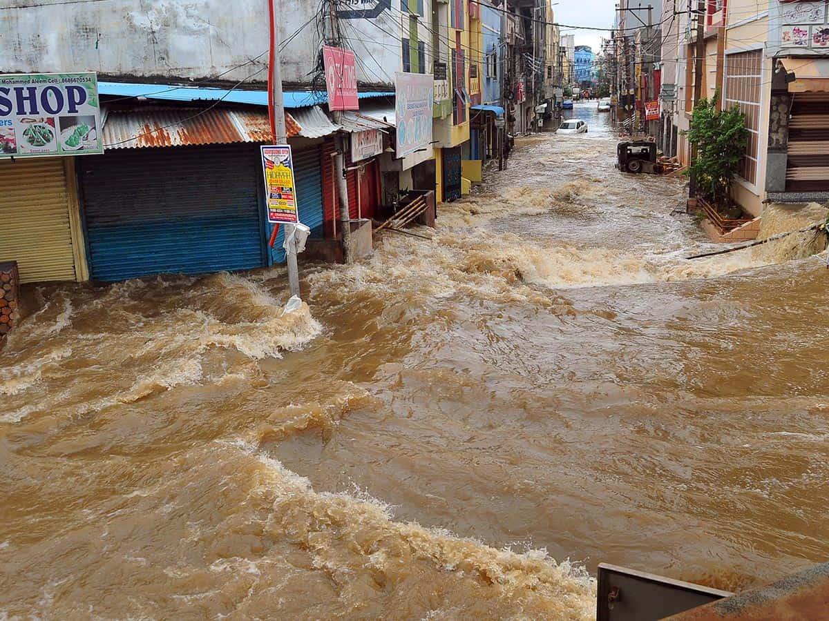 Cyclone Gulab: Moosrambagh bridge closed as water levels rise due to heavy rains