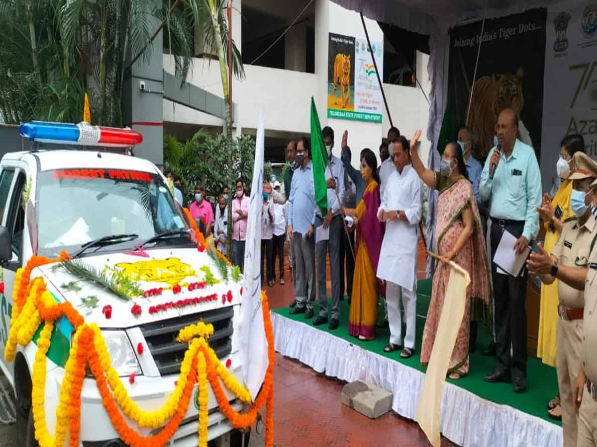 Telangana Forest dept flags-off 'India for Tigers- A Rally on Wheels'