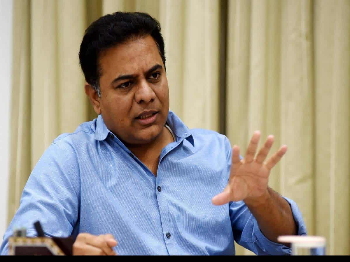 Govt. to slap cases against those defaming KCR:  IT Min KTR