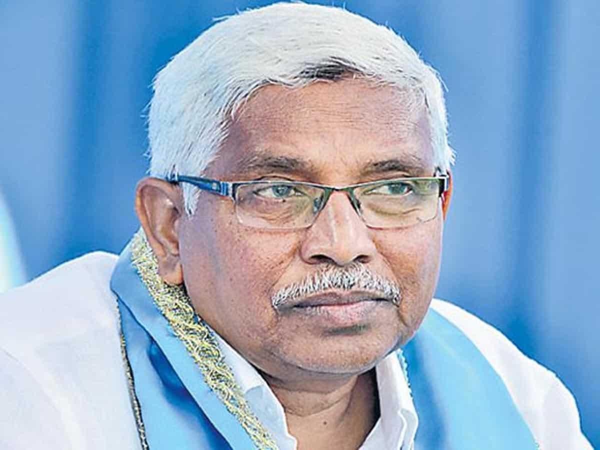 TRS Govt. supporting sand mafia,land sharks alleges Prof.Kodandaram