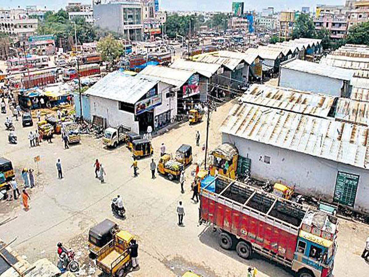 Kothapet fruit market to be shut down,shifted to Bata Singaram
