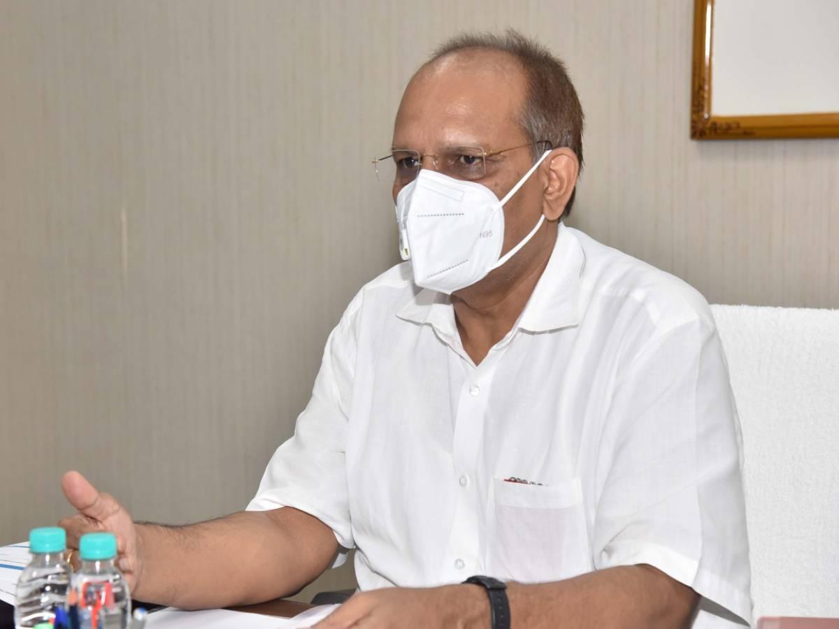 Ensure 100% vaccination among school staff: CS Somesh Kumar