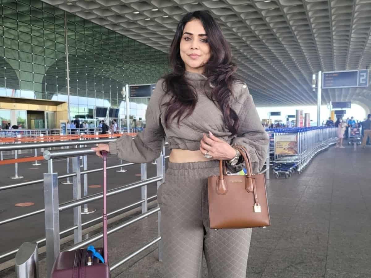 Nikita Rawal robbed of Rs 7L in Delhi, 'feared getting raped'
