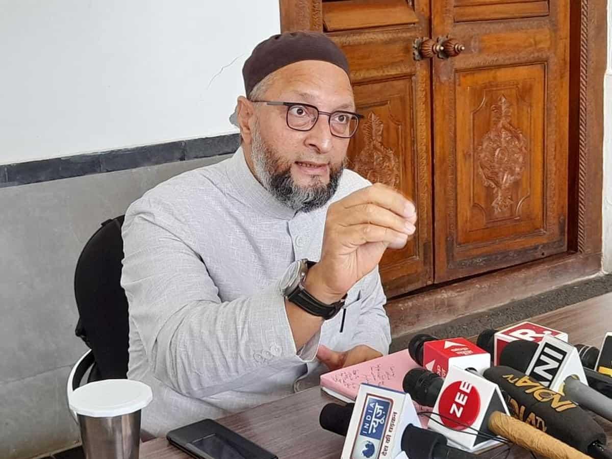 Owaisi denied permission to meet ex MP Atiq Ahmad in Guj jail