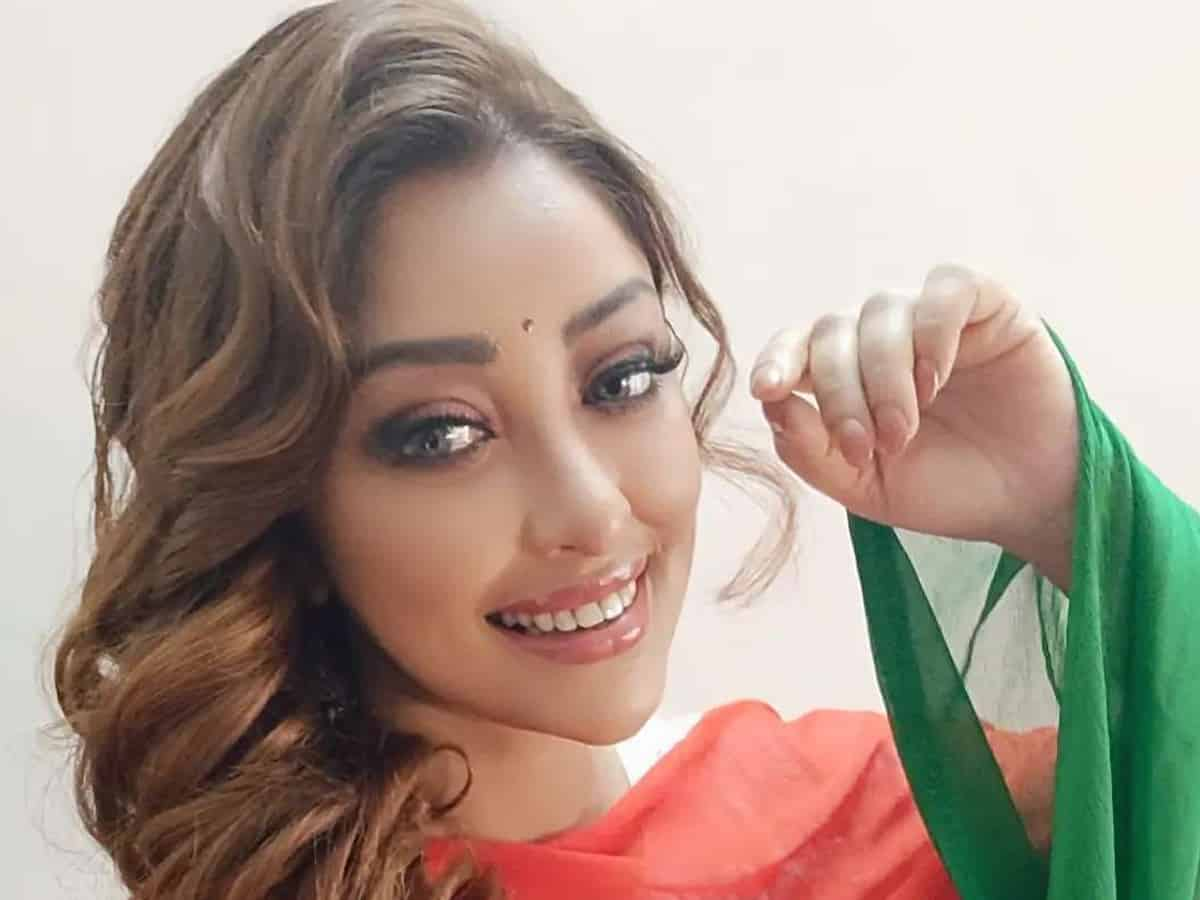 Payal Ghosh injured after suspected 'acid attack'