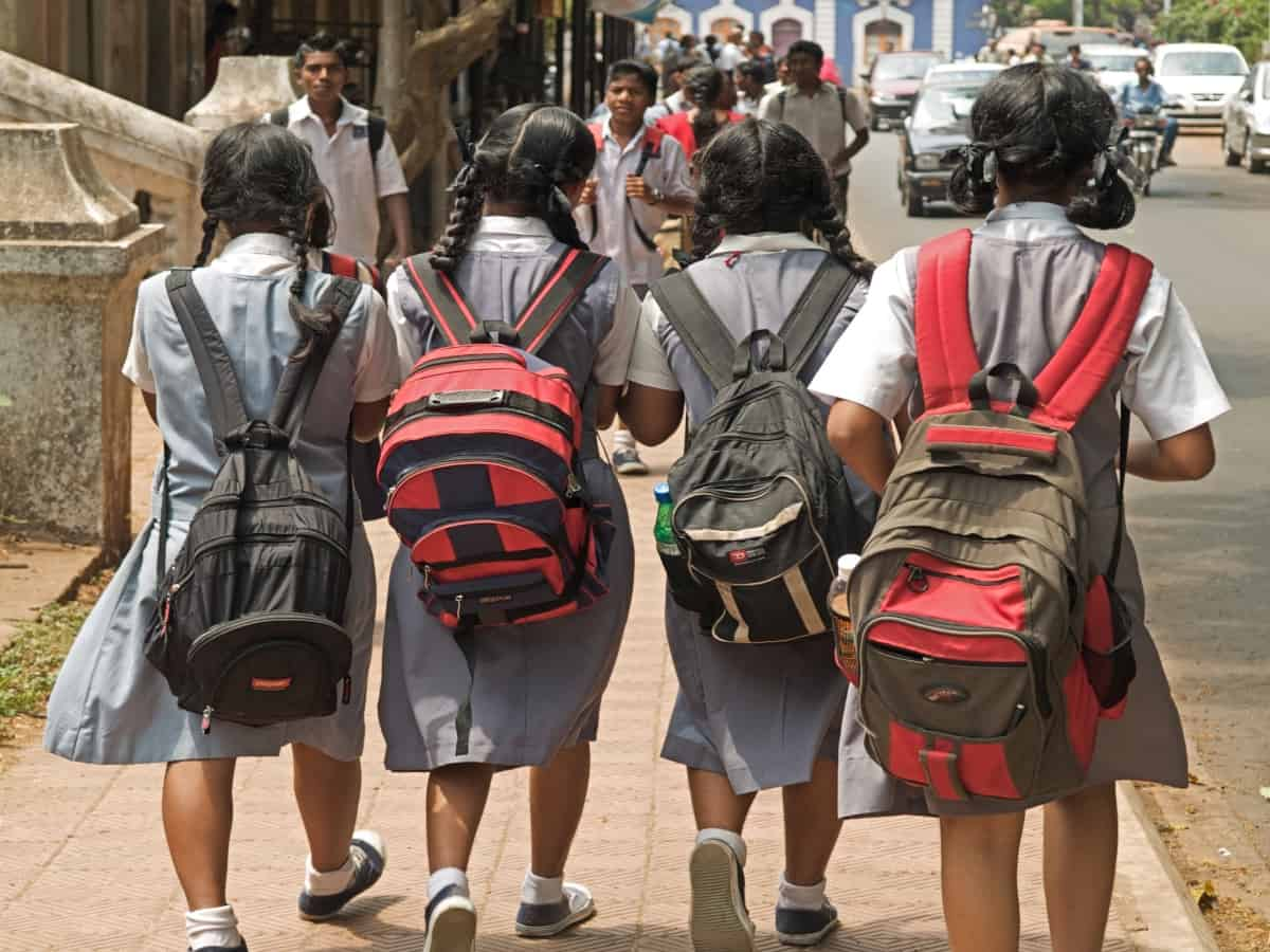 Hyderabad: COVID-19 forces parents to shift children from pvt to govt schools