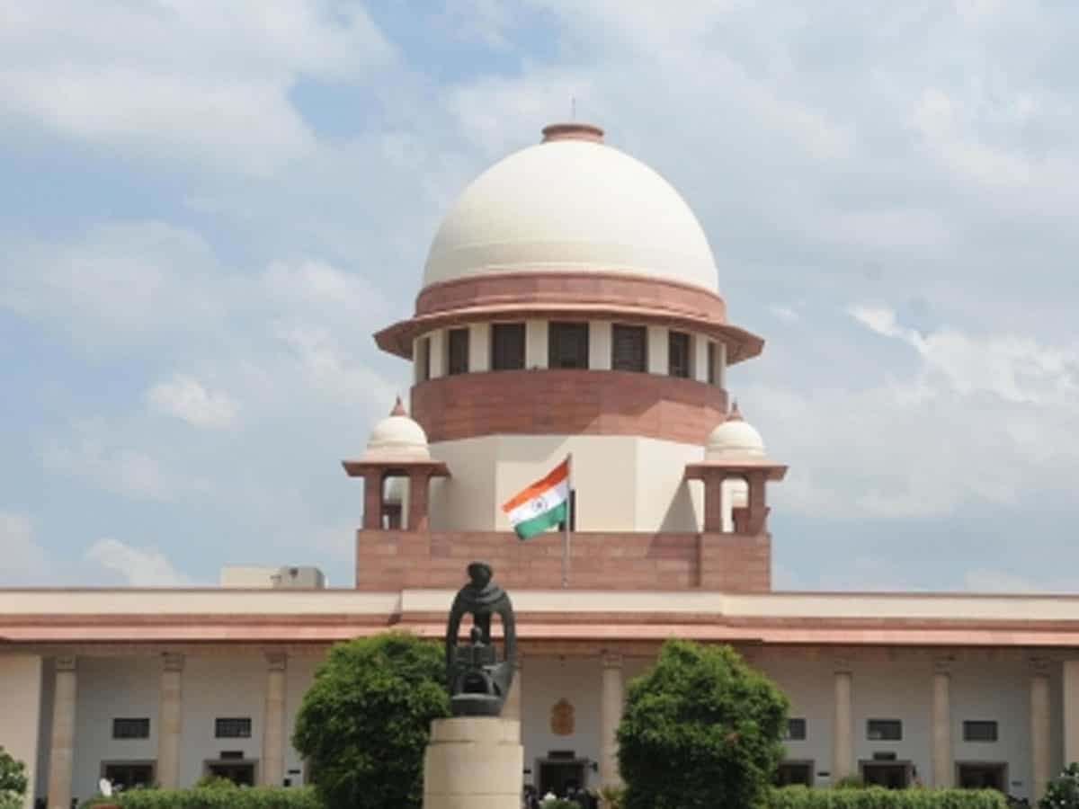 SC allows immersion of Ganesh idols in Hussain Sagar