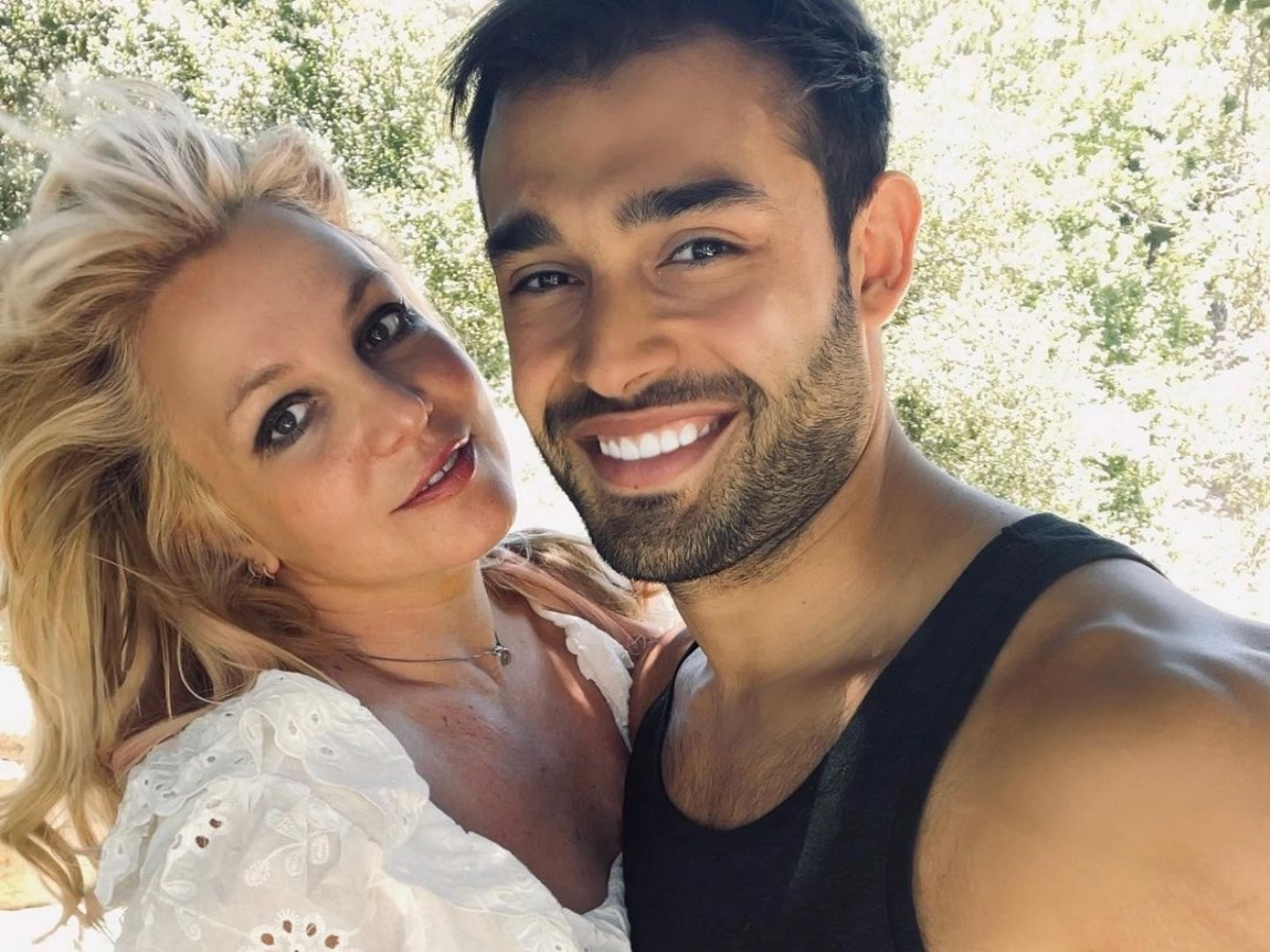 Britney Spears announces her engagement with Sam Asghari