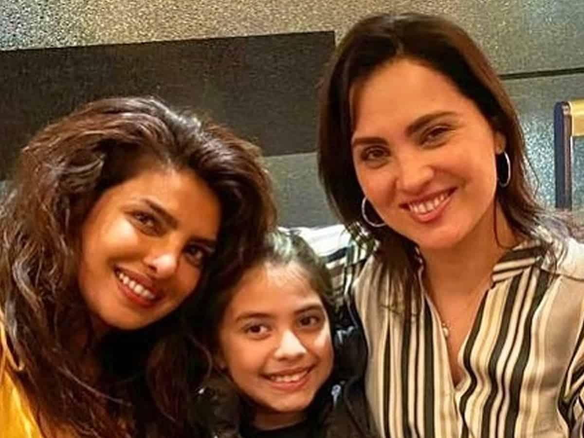 Priyanka Chopra celebrates 21 years of friendship with Lara Dutta