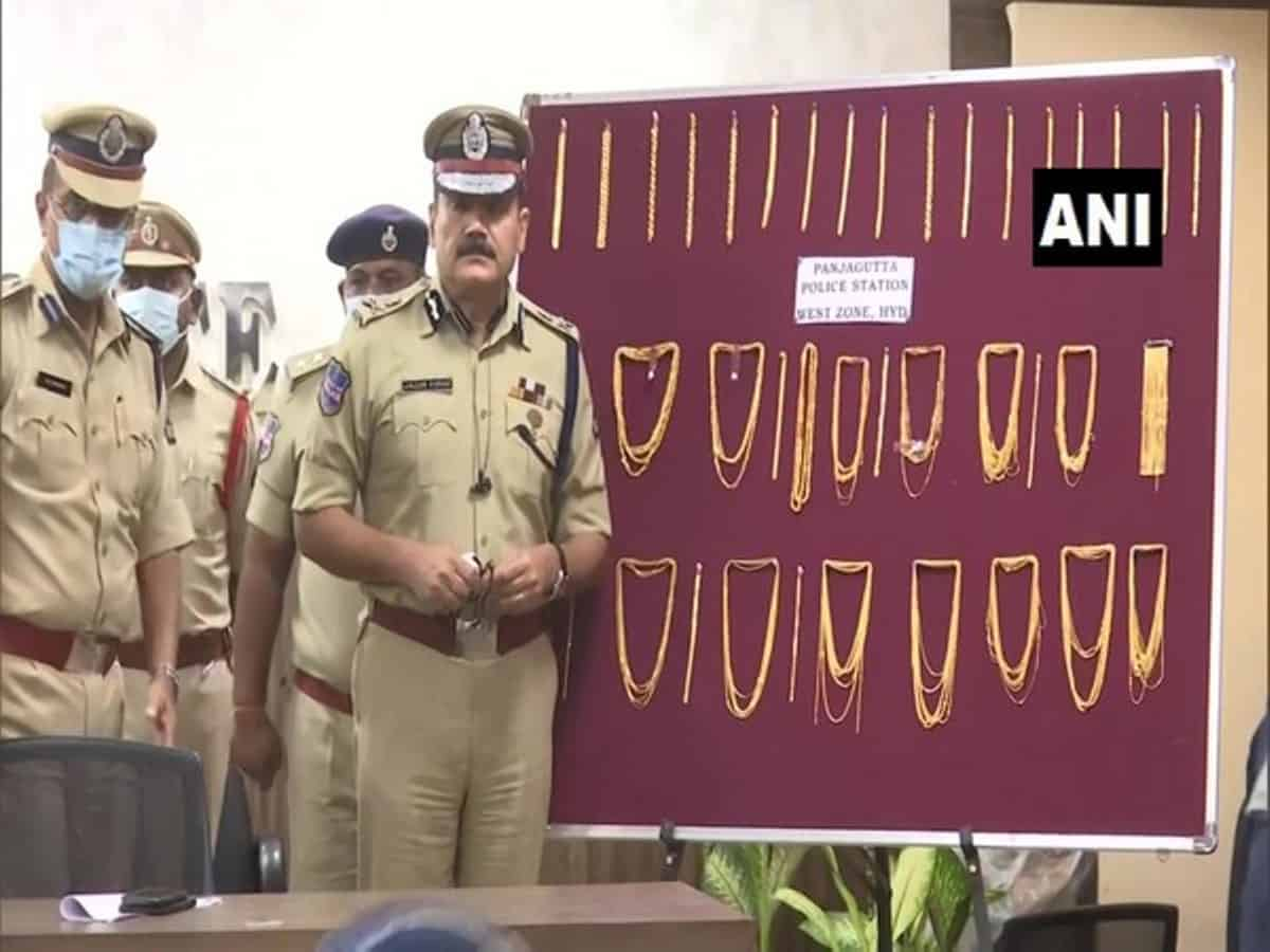 Hyderabad: Two men arrested for stealing jewellery
