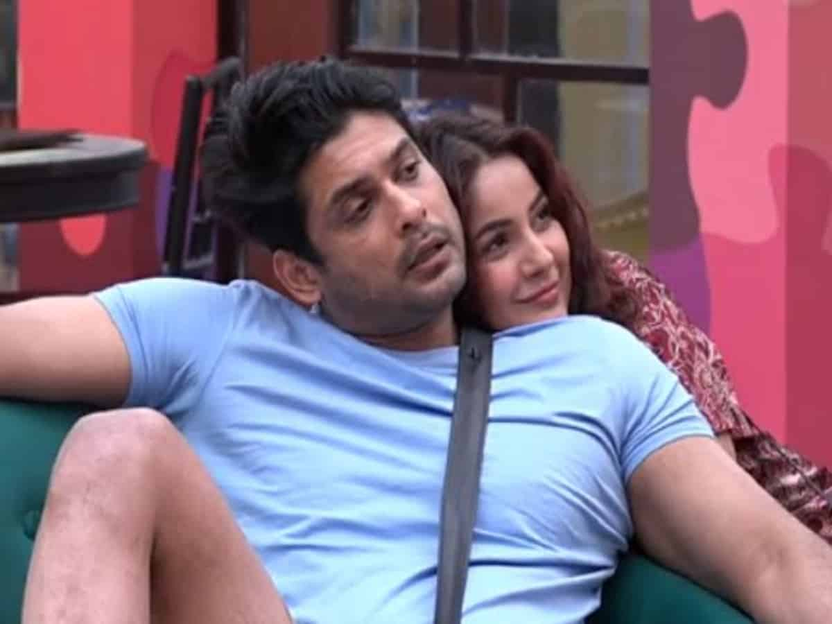 Sidharth Shukla breathed his last in Shehnaaz Gill's lap!