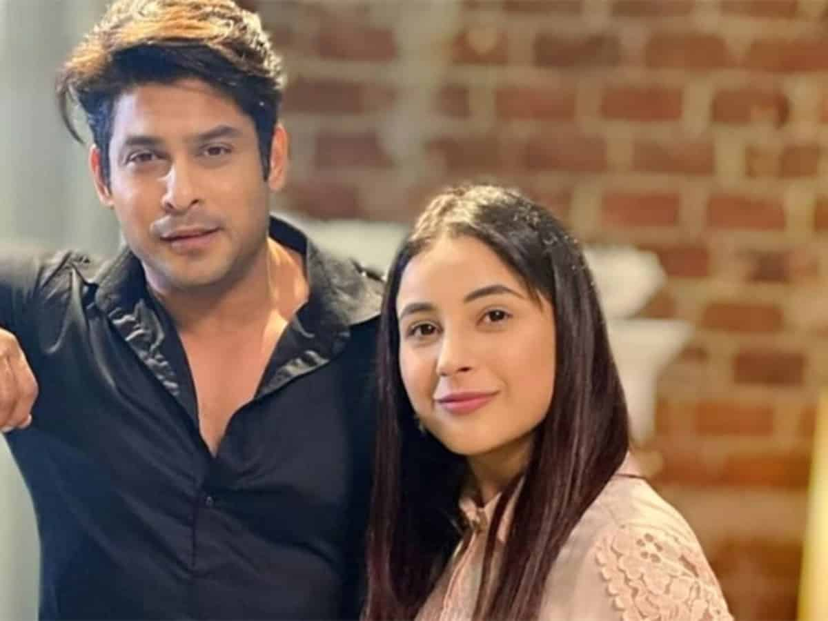 Shehnaaz Gill 'unwell' after hearing about Sidharth Shukla's death; see their photos