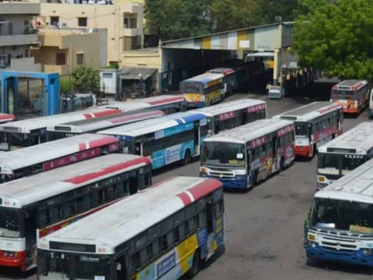 Hyderabad: TSRTC to change colour of city buses