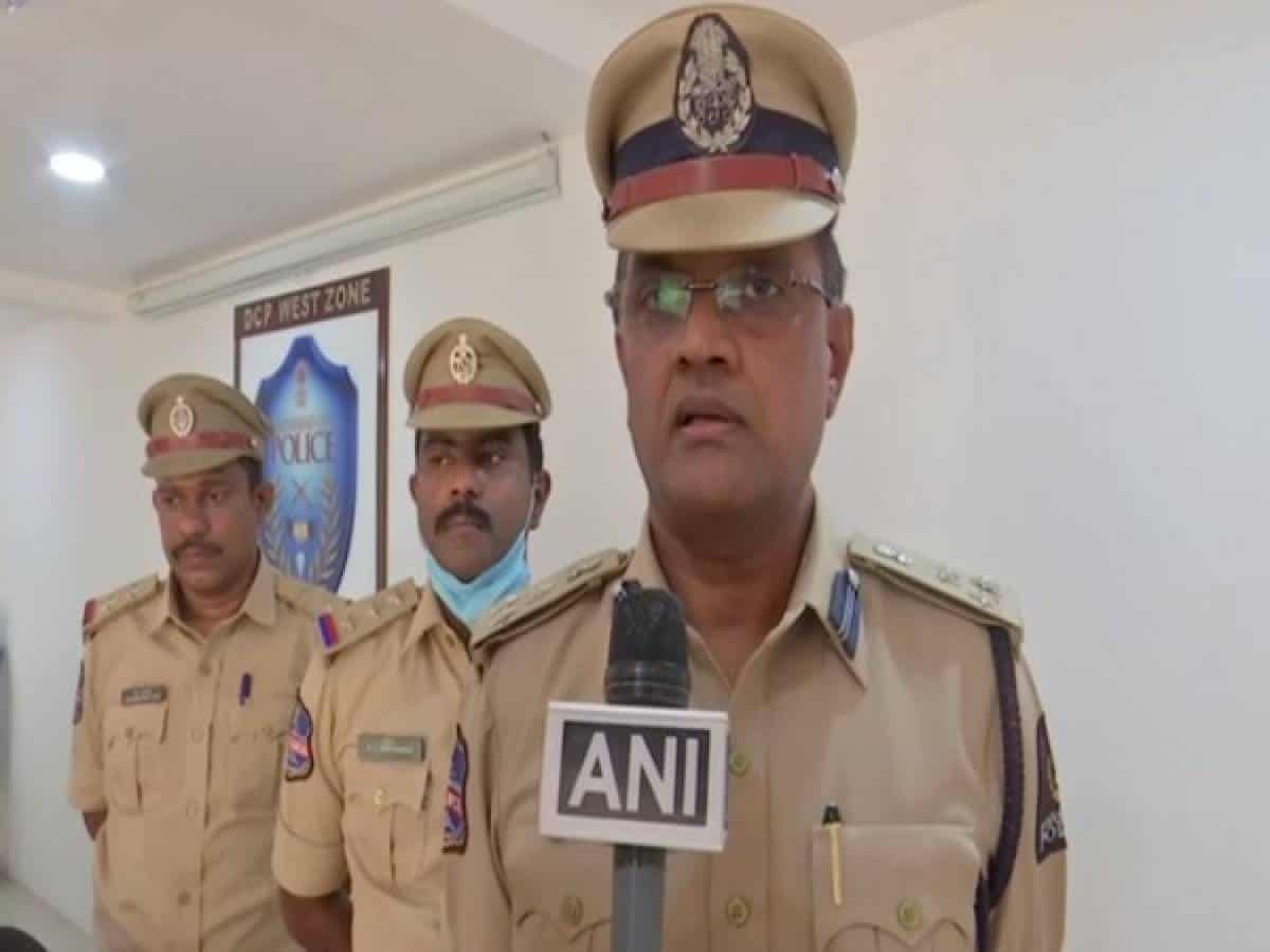 Three held for cheating pawnbrokers in Hyderabad