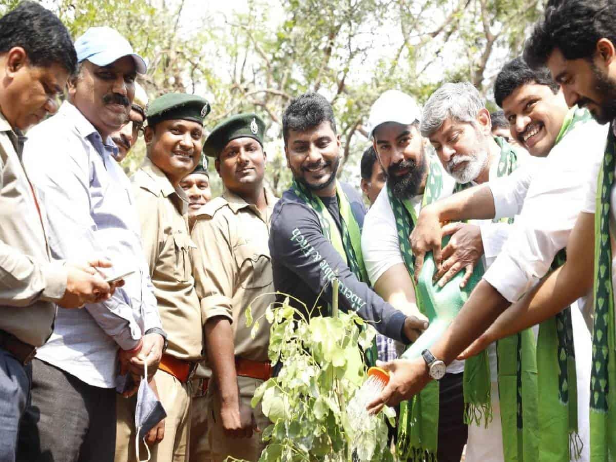 Jagapathi Babu hails Telangana's proposed green fund